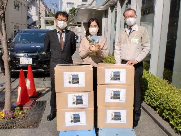 Donation of 1,000 pieces of shirabe alcohol spray