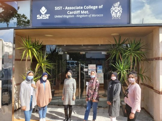 3 girls pass their BAC + go to Uni in Casablanca!
