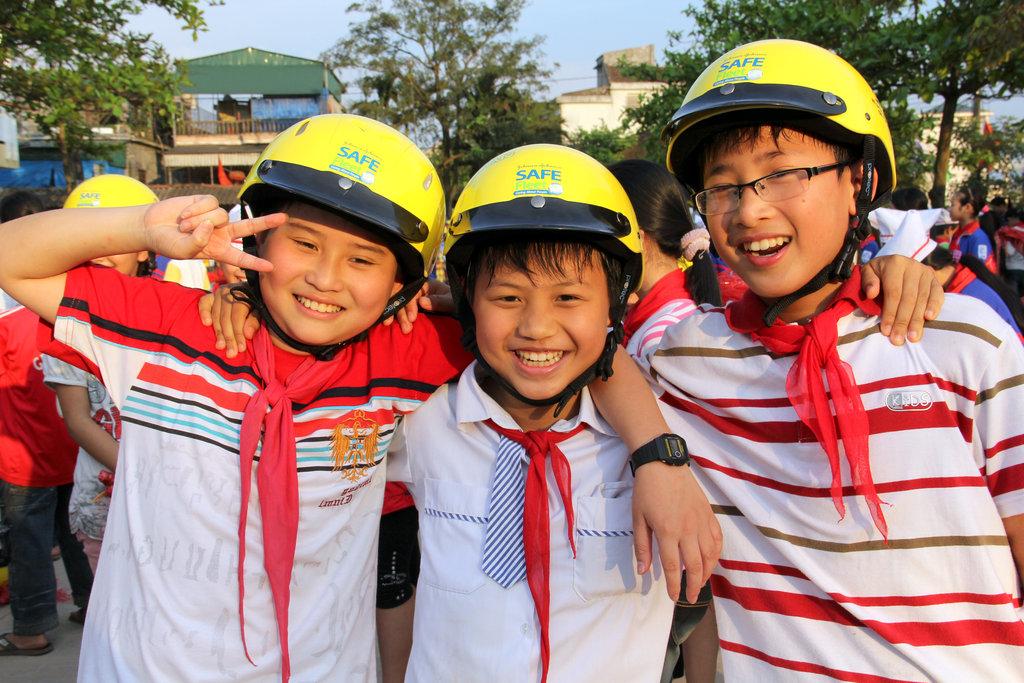 Helmets for Kids Students Wearing Helmets
