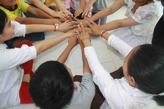 Cambodian Arts Therapists Reach Out