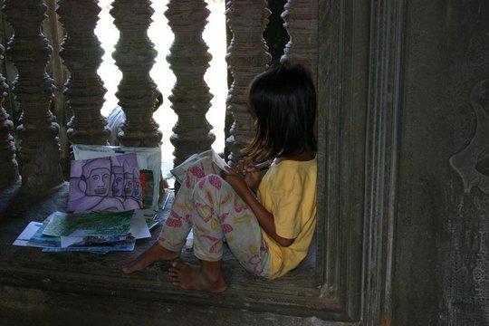 Arts Therapy Clinic-Children in Crisis-CAMBODIA