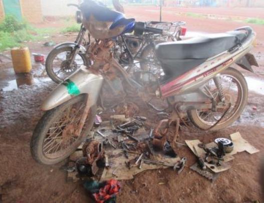 Visiting Bereba and having moto fixed!
