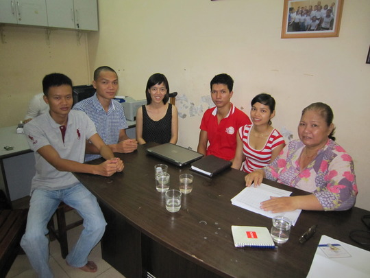 Team 4Share-ThienTamHuong at their first meeting