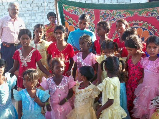 Education for 100 Girls in an urban slum in India