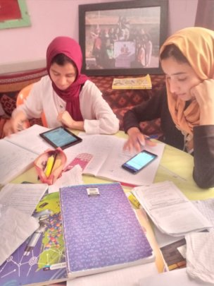 using devices to revise for the exams