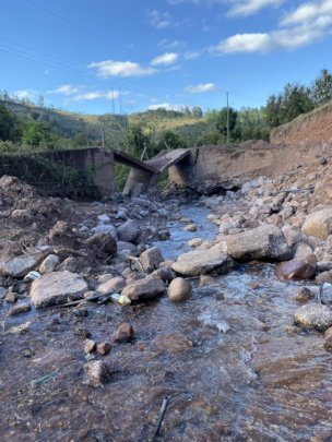 Collapsed Bridge in El Aguacatal, Honduras (Feb)