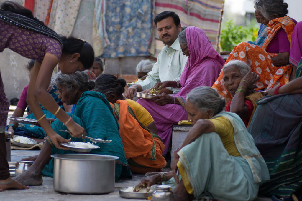 Image of: Begging Ngo In Andhra Pradesh For Poor Old Age Persons Globalgiving Reports On Donate Food For 30 Destitute Elderly People India