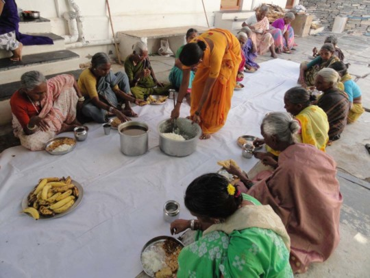 Poor SeniorCitizens at lunch giving by serudsindia