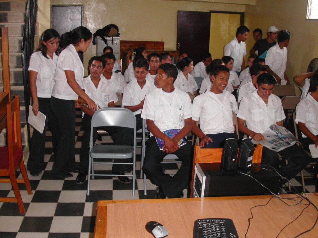 Send 120 youths to high school in Honduras