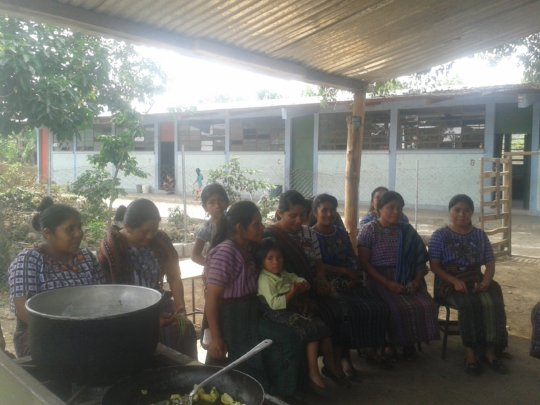 Mothers learning to prepare nutritious meals