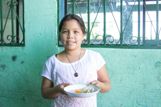 Meals served at Nueva Vida School