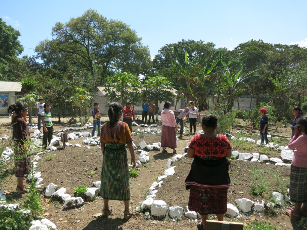 Students in a garden class in San Andres