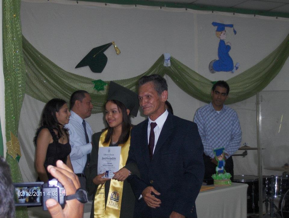 Isamar is a graduating senior from Casa Bernabe