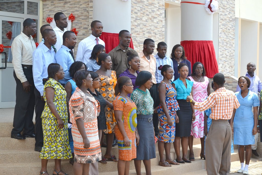 A chorus of Ghanaian singers at the inauguration.