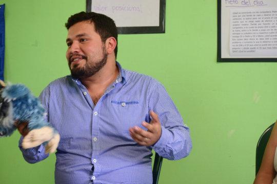 Jorge presenting a teaching technique