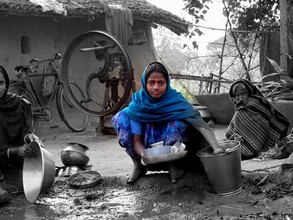 Washing Pots in Bihar