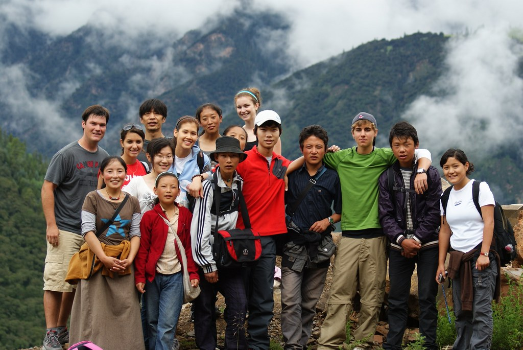 Students and volunteers in Chungba