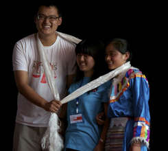 Tibetan and Chinese volunteers
