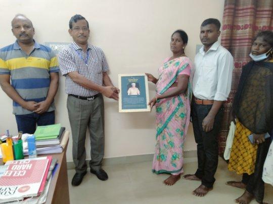 DFO Thiruvarur with family of late P. Balakrishnan
