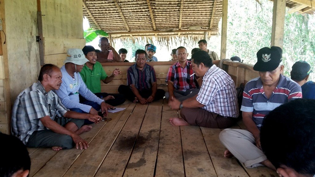 Meeting with local encroachers
