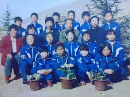 Little TXJ in mountainous village hometown school