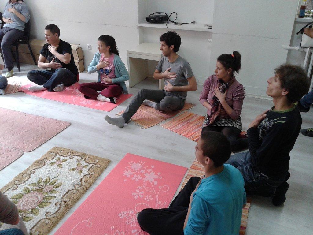 Laughing Yoga 11