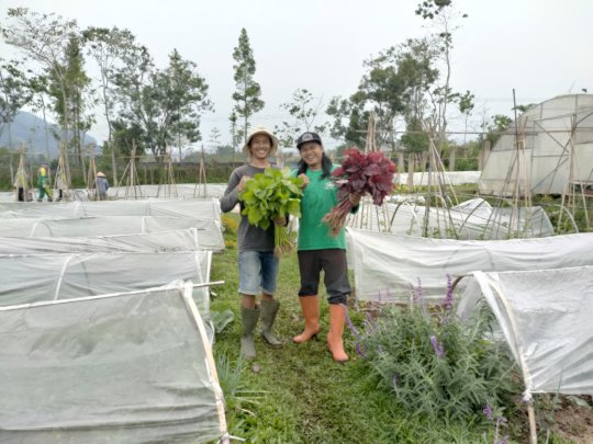Meet Oleh (right), our head of farm and Rokhani