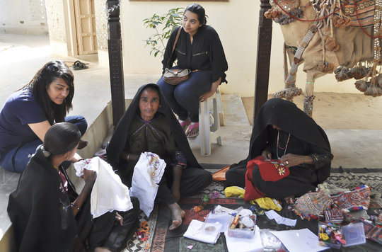 Delhi students work with embroidery artisans