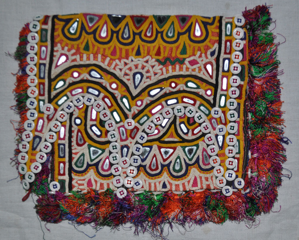 Vagadia rabari purse accessioned for exhibiton