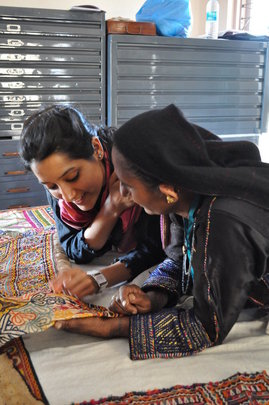 Teachers learn from artisans in the interaction