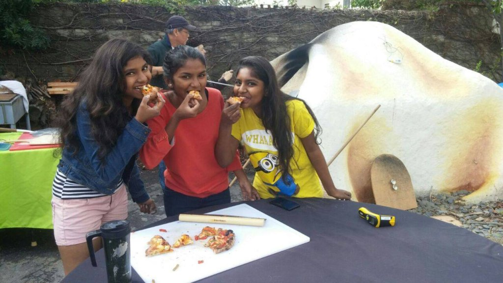 3Musketeers - doing what they do best #Eating inLA