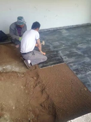 laying the marble tile