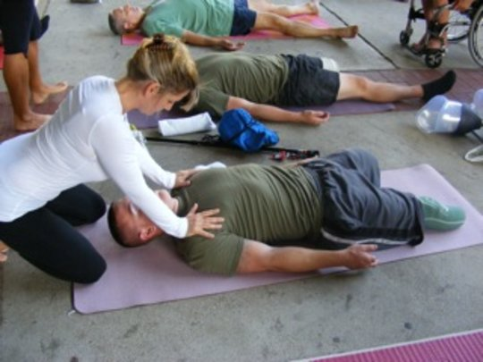 Give the Gift of Yoga to Veterans