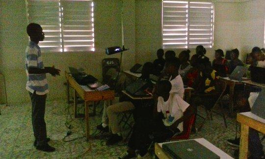 Servius leading wiki training in Haiti
