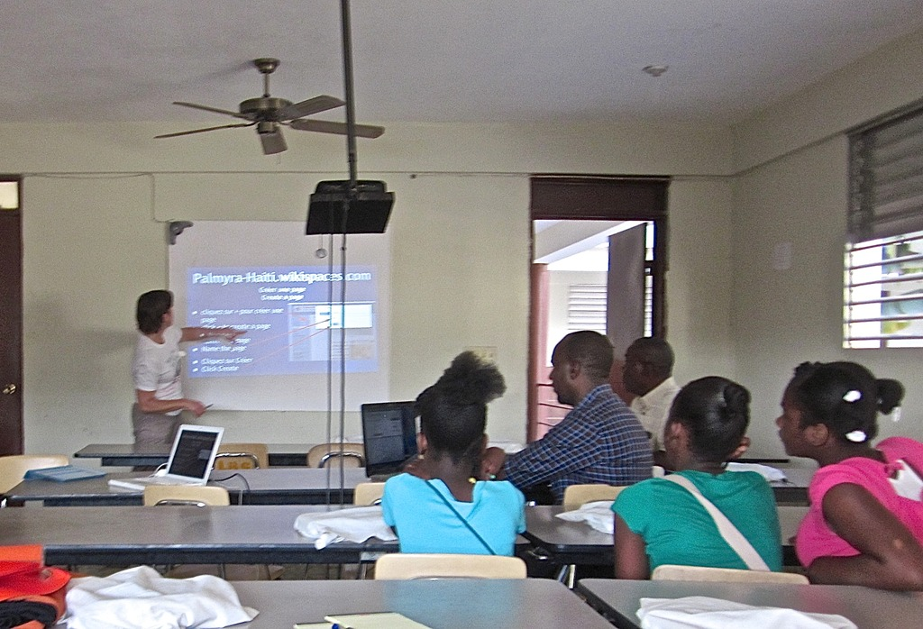 Helen conducting wiki training at LBS