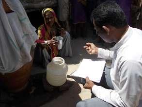 An Oldman preparing Nadi filter