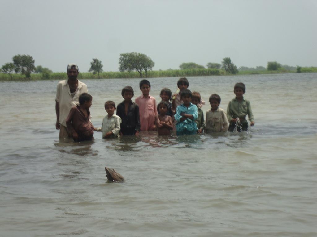 Floods hit crops