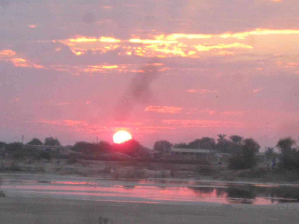 Sun ends at Deh Budha Sujawal