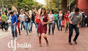 DFBaila looks community bonds through dancing
