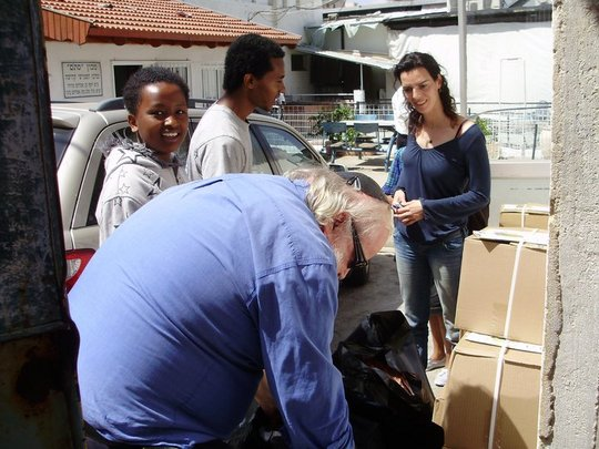 Maof participants giving back to the community