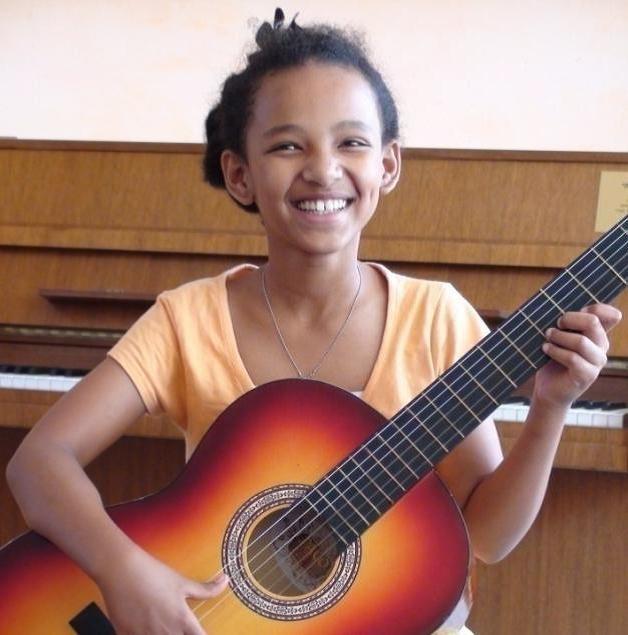 Orit, a classical guitarist