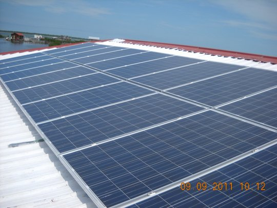 Solar panels installed on office complex(2)