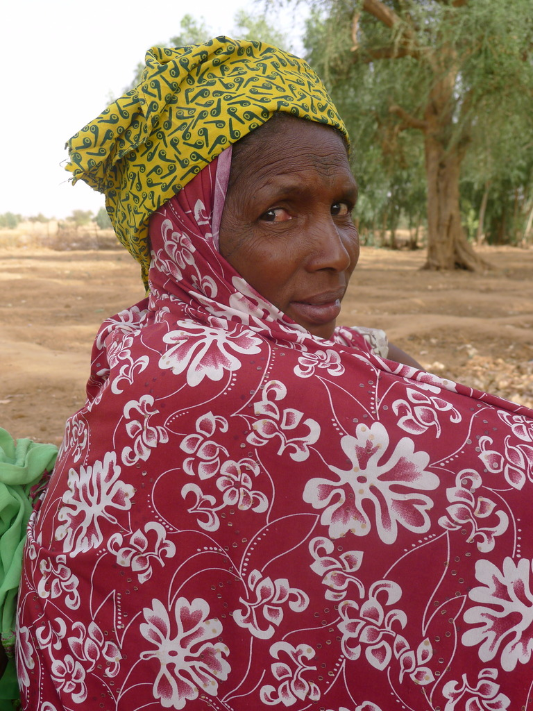 A Tuareg woman, one of the 99 in the garden co-op
