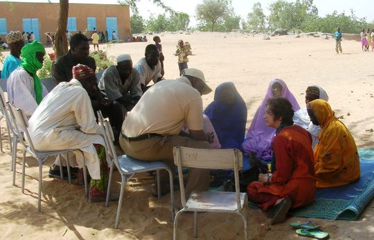 Bess meets with community of Bonfeba