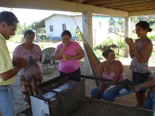 Safer water&cooking for 20 honduran rural families