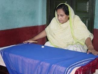 Train Women Entrepreneurs From Slums in Bangladesh