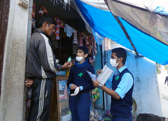 Discussing with Shop Owner on Chlorine