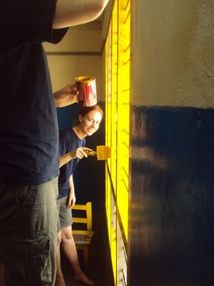 GVI Volunteers getting stuck in with the painting