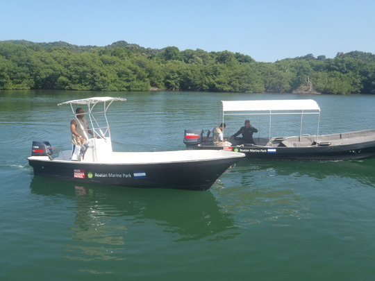 Roatan Marine Park Patrol Staff and Boats