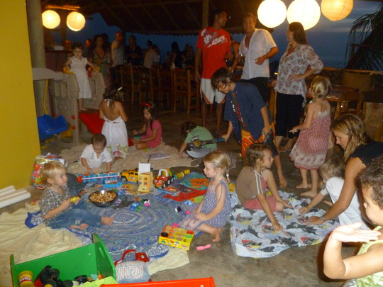 Guests arriving and children playing